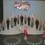 AlloJannao - Haaksbergen - Revue - Hoksebarge - Allô Jannaô - Tone - Gaitjan - Truike - Graads - Leida - Toneel - Theater de Kappen - Buurse - Hoeve - Zang - Dans - 2009