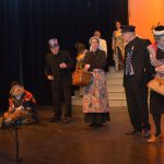 AlloJannao - Haaksbergen - Revue - Hoksebarge - Allô Jannaô - Tone - Gaitjan - Truike - Graads - Leida - Toneel - Theater de Kappen - Buurse - Hoeve - Zang - Dans - 2009 - Newyork