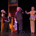 AlloJannao - Haaksbergen - Revue - Hoksebarge - Allô Jannaô - Tone - Gaitjan - Truike - Graads - Leida - Toneel - Theater de Kappen - Buurse - Hoeve - Zang - Dans - 2015