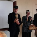 AlloJannao - Haaksbergen - Revue - Hoksebarge - Allô Jannaô - Tone - Gaitjan - Truike - Graads - Leida - Toneel - Theater de Kappen - Buurse - Hoeve - Zang - Dans