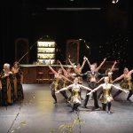 AlloJannao - Haaksbergen - Revue - Hoksebarge - Allô Jannaô - Tone - Gaitjan - Truike - Graads - Leida - Toneel - Theater de Kappen - Buurse - Hoeve - Zang - Dans - 2016 - Wie Stokkert de boele op - Whiskey - Stoken - Flashmop - DJ - Human - Wim Sonneveld - Ons Dorp - Ierse dans - Hamam