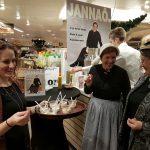 AlloJannao - Haaksbergen - Revue - Hoksebarge - Allô Jannaô - Tone - Gaitjan - Truike - Graads - Leida - Toneel - Theater de Kappen - Buurse - Hoeve - Zang - Dans - 2015 - Pus Leusink Haaksbergen